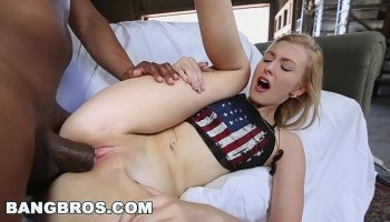 Dirty wench wants to suck her brother's hard dick