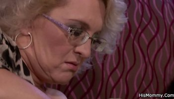 Teen minx looks at the naked man in the bathroom and takes his cock in her pussy